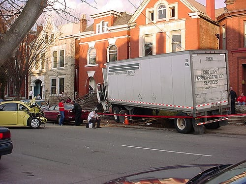 TRUCK ACCIDENTS: WHAT TO DO AFTER IMPACT